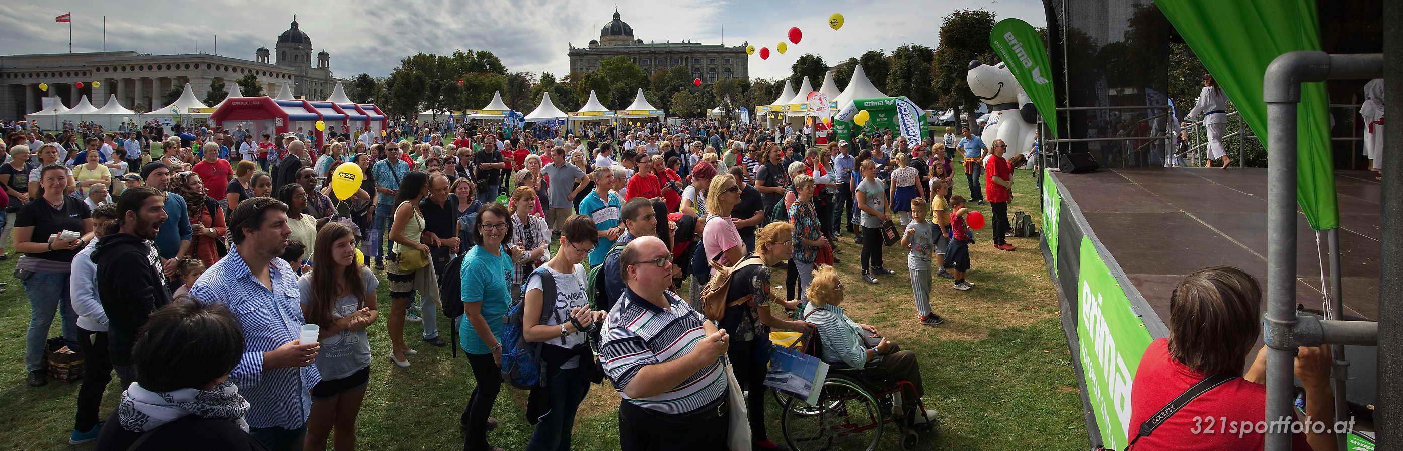 Tag des Sports vor der Wiener Hofburg am 19.09.2015